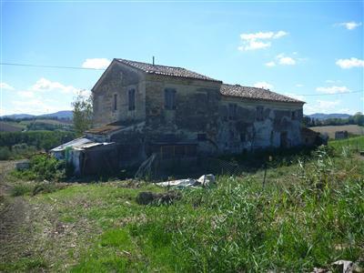 Casa colonica con terreno agricolo chiamacasa agenzia for Piani casa colonica