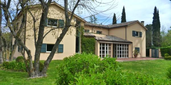 Villa di lusso chiamacasa agenzia immobiliare di for Agenzia immobiliare di lusso