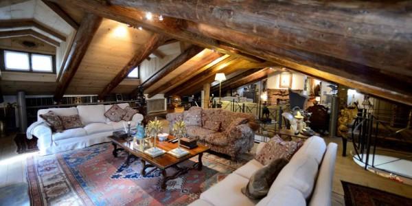 Chalet di lusso chiamacasa agenzia immobiliare di for Noleggio cabina di lusso in montagna in virginia