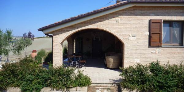 Casa con giardino chiamacasa agenzia immobiliare di - Foto case con giardino ...