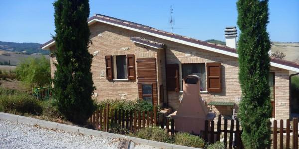 Casa con giardino chiamacasa agenzia immobiliare di for Piani casa ranch con seminterrato finito