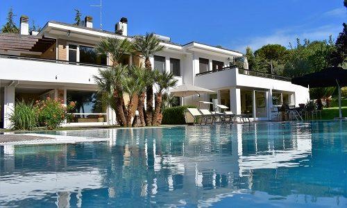 Affitto e vendita di ville e immobili di prestigio e lusso for Ville di lusso in affitto